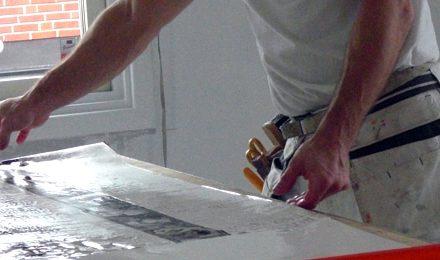 Tapetsering med traditionell papperstapet